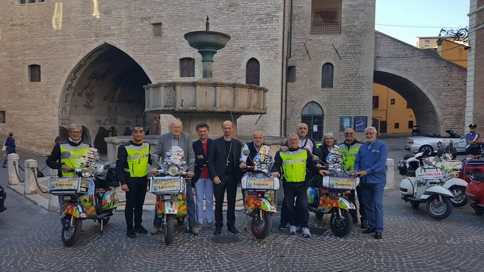 Giro d'Italia in Vespa per l'Autismo - Sosta a Fabriano